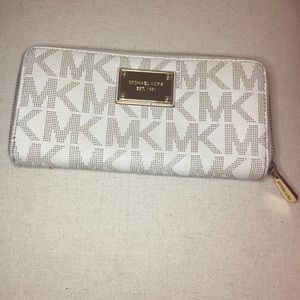 Michael Kors signature wallet